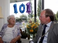 101-jarige mevrouw Scheurwater-Van Namen
