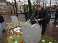 Aangeklede containers moeten zwerfafval tegengaan  Weeshuisplein Dordrecht