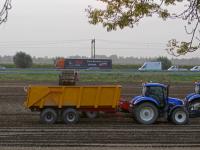 20171710-Aardappels-uit-de-grond-gehaald-Rijksstraatweg-Dordrecht-Tstolk