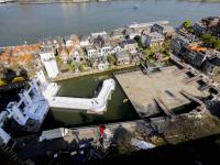 Overzichtsfoto opbouwen podium The Passion Maartensgat Dordrecht