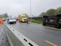 02112020-Auto-over-de-kop-Dordrecht-Tstolk-001