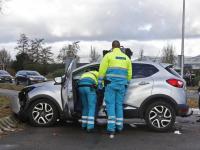20172812-Autos-frontaal-op-elkaar-gebotst-Langeweg-Munikkensteeg-Zwijndrecht-Tstolk-002