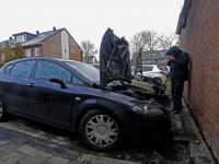 Auto\'s uitgebrand op de Rijksstraatweg in Dordrecht