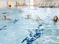 Maarten vd Weijden opent zwemvierdaagse Sportboulevard Dordrecht