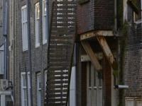 20172403 Balkon hangt op half zeven Dordrecht Tstolk 001