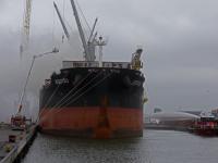 Veel rookontwikkeling bij brand op zeeschip