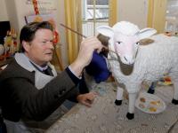 College Dordrecht schilderen Schapen voor goed doel