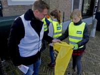 20172403 Opschoonactie kinderen CBS Horizon in Dordrecht Tstolk 001