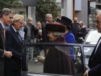 Beatrix bij onthulling standbeeld Willem van Oranje DordrechtBeatrix bij onthulling standbeeld Willem van Oranje Dordrecht