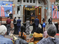 Diploma - uitreiking in de open lucht Johan de Witt-Gymnasium Dordrecht