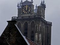 Gemeentevlag rood-wit-rode op drie gemeentelijke gebouwen Dordrecht