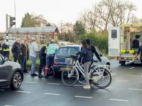 Man gewond bij ongeluk met auto Hastingsweg Dordrecht