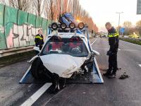 14042021-Gehuurde-Lamborghini-met-hoge-snelheid-tegen-vangrail-N3-Dordrecht-Tstolk-001