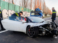 14042021-Gehuurde-Lamborghini-met-hoge-snelheid-tegen-vangrail-N3-Dordrecht-Tstolk