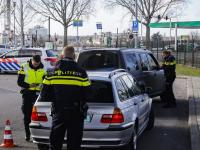 Politiecontrole parkeerplaats Weeskinderendijk Dordrecht