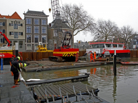 20172911-Hijskraan-en-ponton-weer-bovenwater-gehaald-Maartensgat-Dordrecht-Tstolk