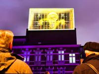 Kunstmin presenteert met D-Light van Arno Coenen kunstwerk op toren Schouwburg