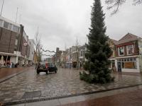 Eerste kerstbomen staan weer in Bagijnhof Dordrecht