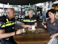 Koffie drinken met Cop bij Verhage bieshof Dordrecht