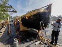 Schip rivier boot stad'gaat volgende fase in van schip naar sculptuur Dordrecht