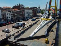 Laatste onderdeel Prins Clausbrug aangekomen in Dordrecht