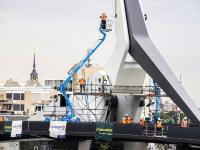 Laatste werkzaanheden aan Prins Clausbrug ingehesen Dordrecht