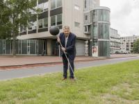 30062020-lancering-Bomenprikker-Spuiboulevard-Dordrecht-Tstolk
