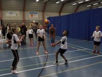 Leren Volleyballen tijdens schoolsport