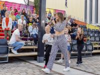 Feestje tijdens optreden Maan Energiekade Dordrecht