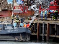 Man met spoed naar ziekenhuis na val in water Mallegat Dordrecht
