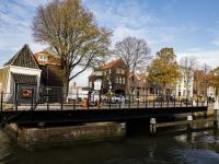 Mazelaarsbrug terug op zijn plaats