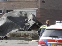 Meerdere meldingen van stormschade Damsterdiep Dordrecht