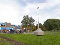 20172610-Mobiele-camera-bij-Cruyff-Court-in-Stadspolders-Dordrecht-Tstolk-001