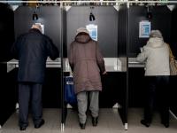 Tweede Kamerverkiezingen stembureaus Develhal Zwijndrecht