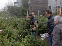20170212-Op-zoek-een-de-perfecte-kerstboom-Tuinwereld-Dordrecht-Tstolk-002