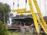 24072020-Oude-beweegbare-klep-verwijderd-van-Wantijbrug-Dordrecht-Tstolk-003