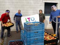 13102020-Overhandiging-aan-Voedselbank-Dordrecht-Tstolk