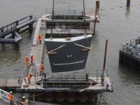 Inhijsen van pijlers Prins Clausbrug Dordrecht