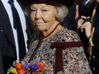 Beatrix bij onthulling standbeeld Willem van Oranje Dordrecht