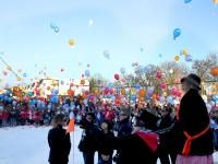 20121002-koningin-opent-project-op-johan-frisoschool-tstolk_resize