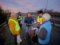 Ruim 600 krentenbollen uitgedeeld door fietsersbond Dordrecht