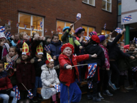20170512-Sinterklaas-op-schaaten-naar-Horizon-school-Dordrecht-Tstolk-006