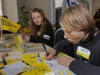 Kinderen statenschool doen mee met schrijfmarathon Amnesty International