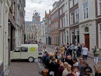 Smikkelen aan reuze ontbijttafel Dordrecht