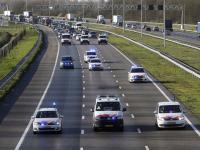Stakende agenten rijden 66 kilometer per uur over de A16