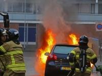 20160212 Meerdere auto's uitgebrand Luxemburgsestraat in Zwijndrecht Tstolk