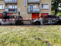 Twee auto's verwoest door brand in Zwijndrecht