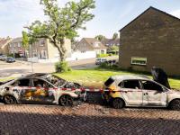 17062021-Twee-autos-verwoest-door-brand-in-Zwijndrecht-Tstolk