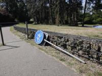 Vandalisme gepleegd onder en bij Amaliabrug Dordrecht