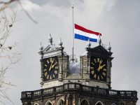 Vlag halfstok Grote kerk Dordrecht